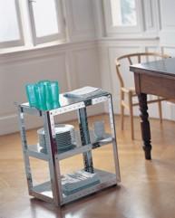 carrelli di differenti dimensioni studiati per funzioni e ambienti diversi bagno cucina area video hi fi spazio ragazzi